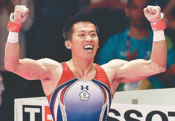 「鞍馬王子」李智凱在男子鞍馬以招牌的湯瑪斯迴旋翻下金牌。 圖/聯合報系資料照片
