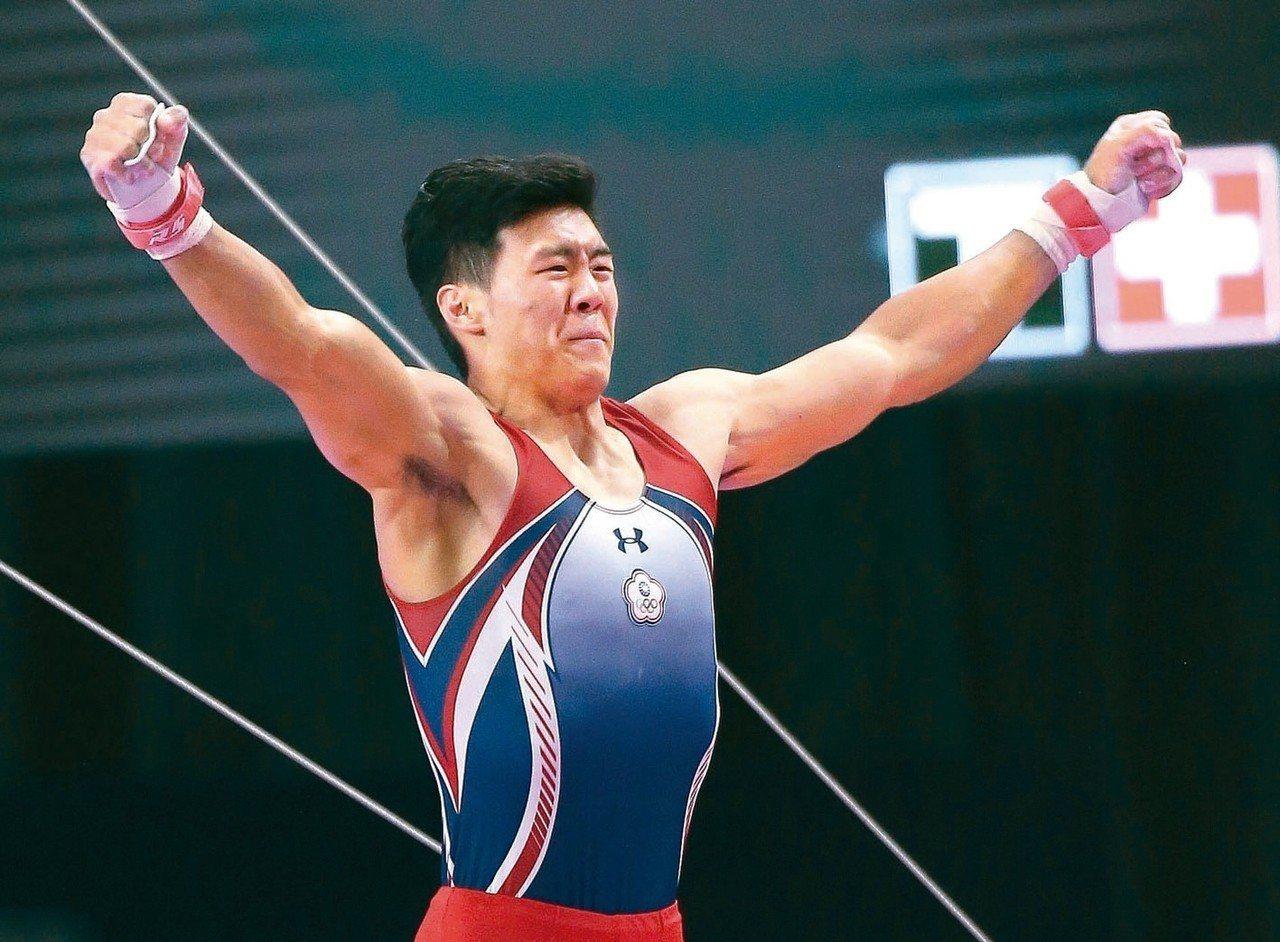 唐嘉鴻也克服手部4度開刀的傷病史,在男子單槓帶回第2金。 圖/聯合報系資料照片