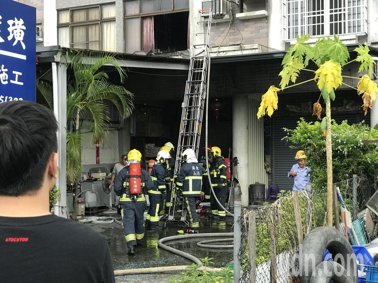 屏東市瑞光路三段一棟4樓透天民宅下午突然發生火警。記者蔣繼平/攝影