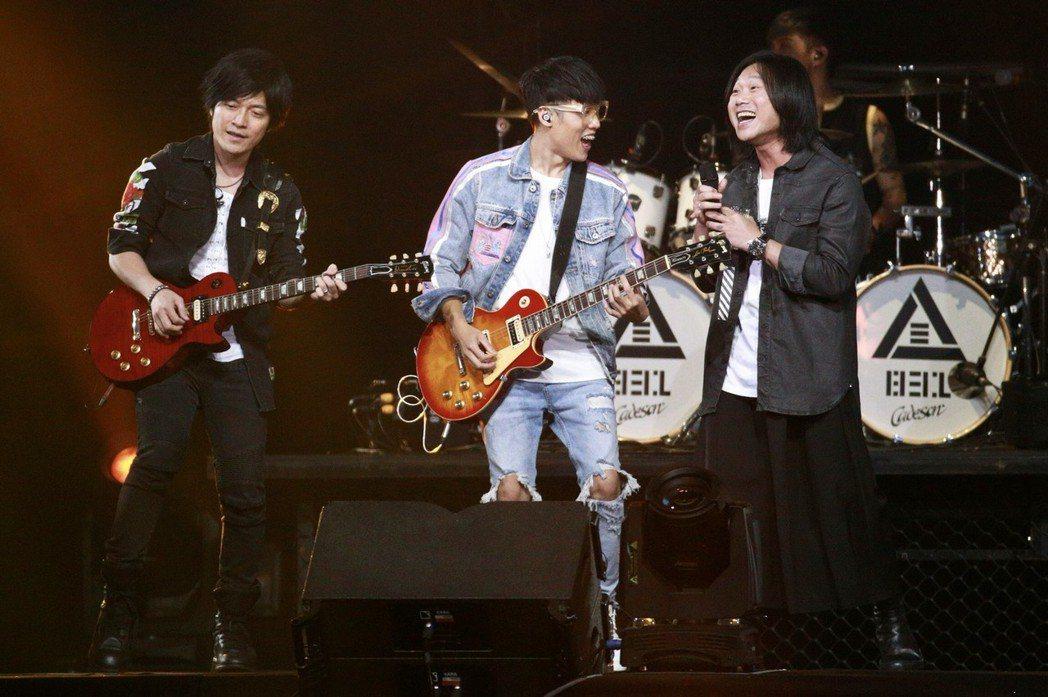 怪獸(左起)、劉逼和瑪莎在台上玩得很開心。記者林伯東/攝影