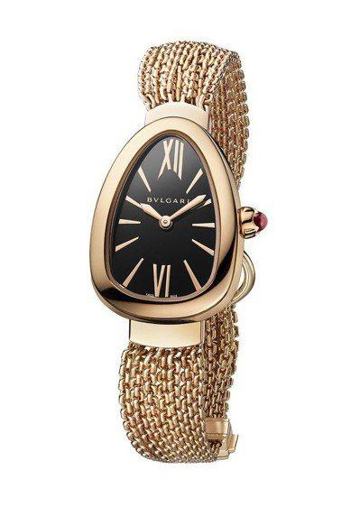 宝格丽Serpenti系列Twist腕表,表壳与表链皆为18K玫瑰金,表冠镶嵌蛋...