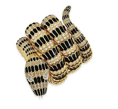 1965年的骨董Serpenti珠宝表,缔造宝格丽蛇形腕表于拍卖会上的世界纪录。 ...
