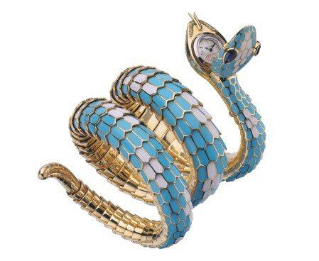 Serpenti系列彩色珐琅蛇形腕表,于六〇年代问世。 图/BVLGARI提供