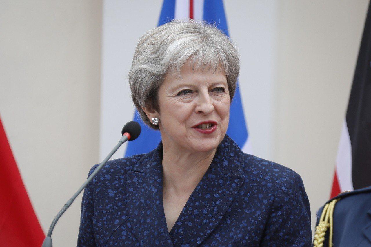 50名國會議員因反對梅伊(圖)提出的脫離歐盟後協議,已會商如何及何時可迫使她下台...