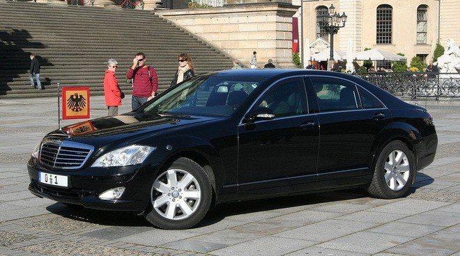 Mercedes-Benz S600L。 摘自Storypick