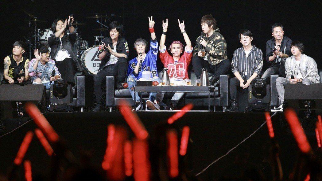 八三夭邀請五月天擔任第2場小巨蛋演唱會嘉賓。記者林伯東/攝影