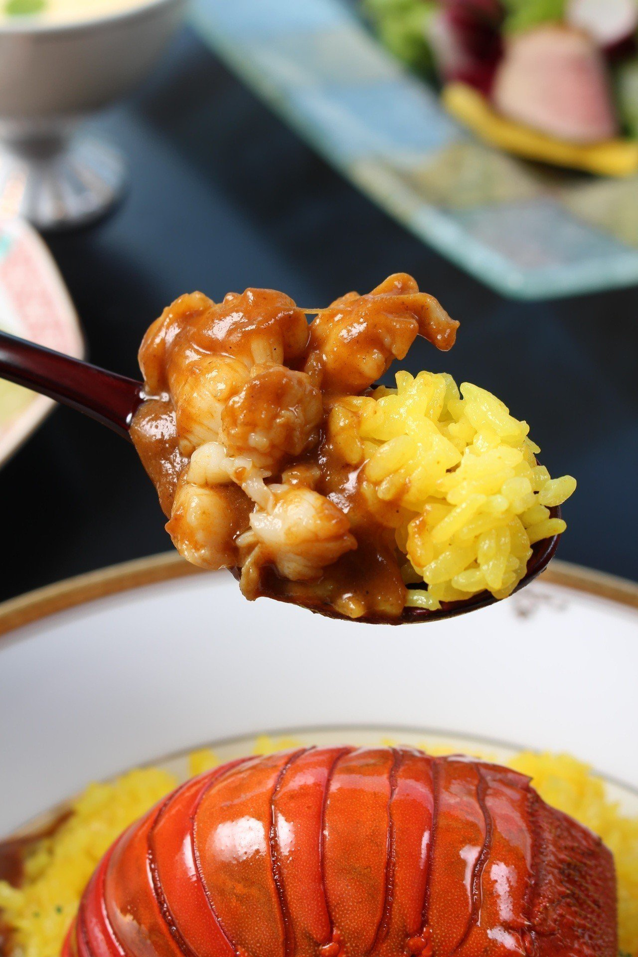 現點現做的龍蝦肉,口感鮮嫩彈牙。圖/日勝生加賀屋提供