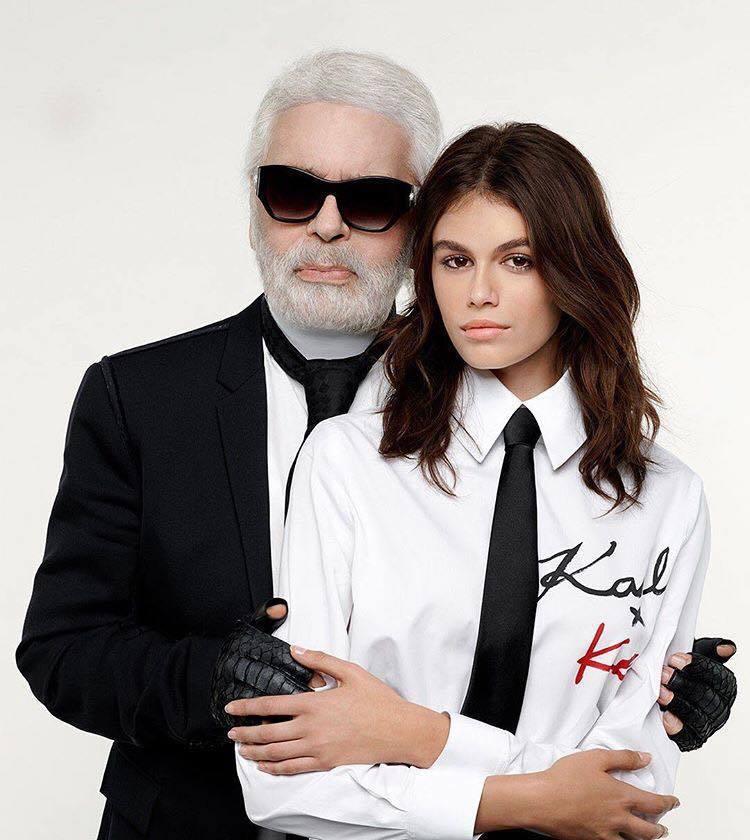 17歲的凱亞葛柏,不但和媽媽辛蒂克勞馥一起代言歐米茄,也與卡爾拉格斐合作設計服飾...