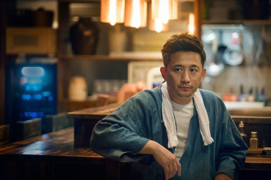 黃磊在「深夜食堂」中用料理溫暖人心。圖/緯來戲劇台提供