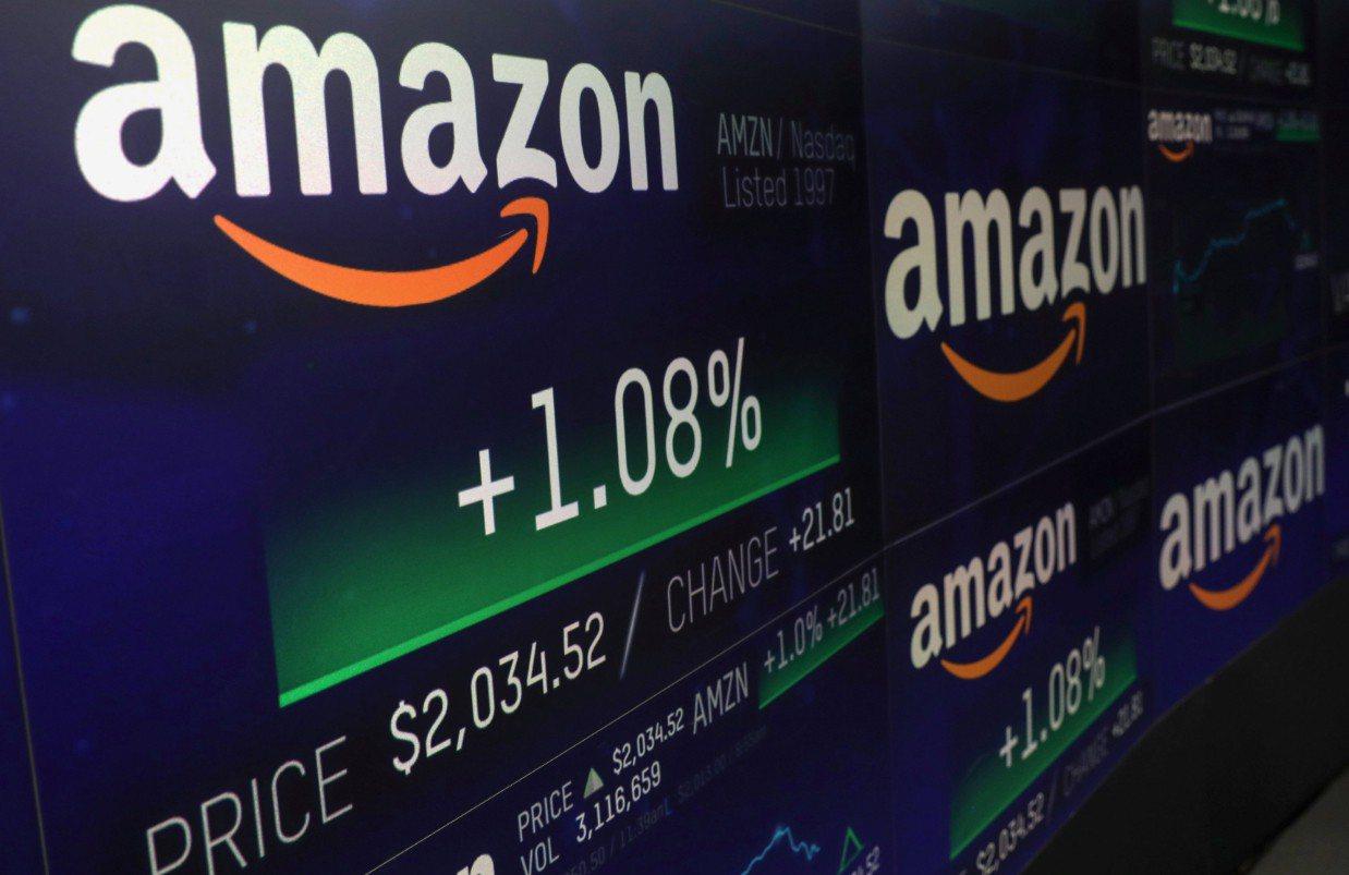 亞馬遜(Amazon)股價4日盤中市值突破1兆美元。 路透社