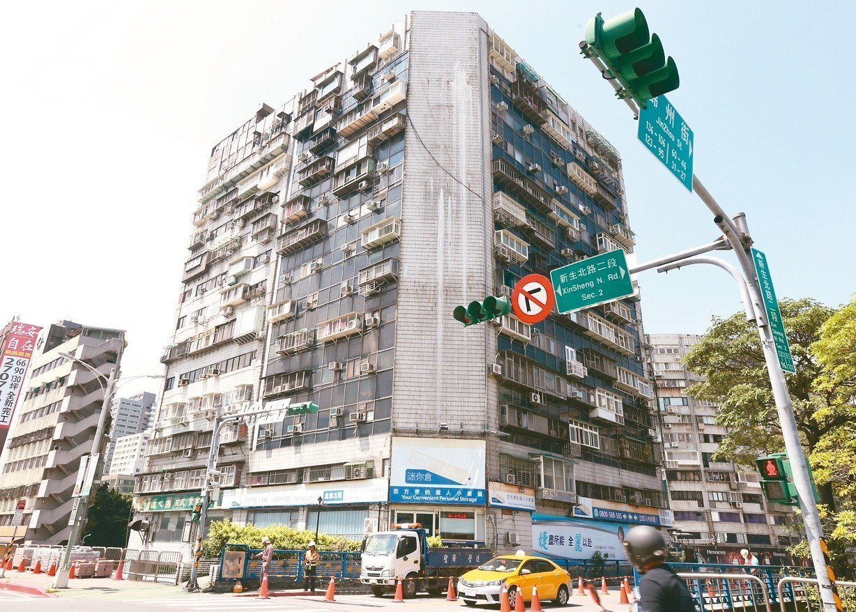 北市錦新大樓34年來24人凶死,有「台北最凶宅」之稱。 記者侯永全/攝影
