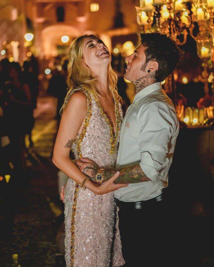 Chiara Ferragni連婚禮前一天預演穿的衣服都由品牌贊助。圖/擷自in...