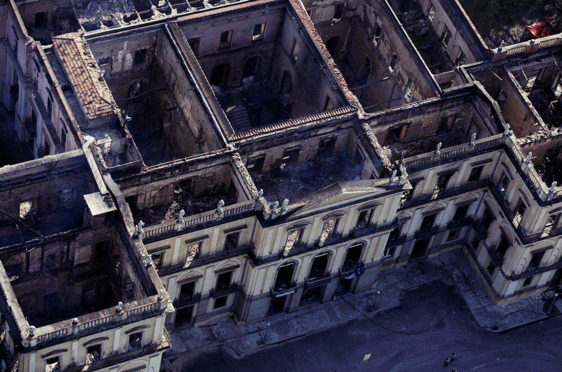 燒光的巴西國家博物館。 圖/路透社