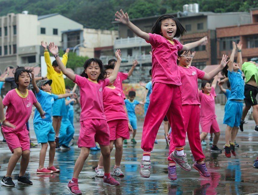 學校為孩子找舞台,讓他們先肯定自己,對未來才有想法。圖片與報導當事人無關。