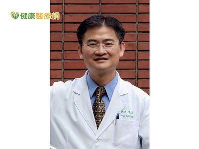 醫師表示若抽血檢查確診睪固酮濃度不足,則可考慮補充治療,經過專業醫師的評估,治療...