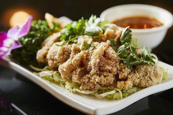 椒麻雞搭配泰式酸辣醬更對味。