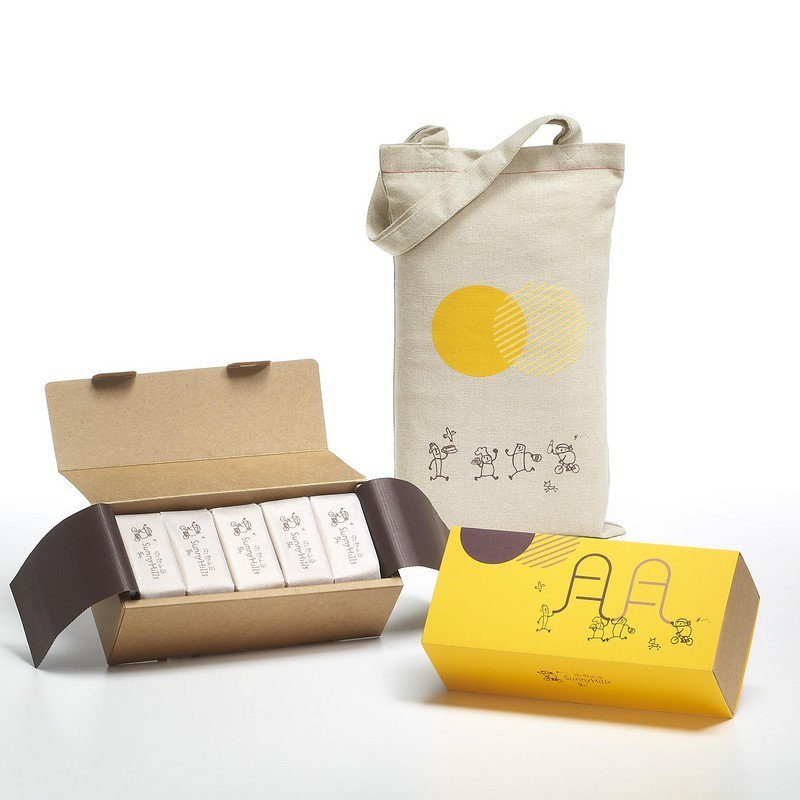 微熱山丘鳳梨酥10入,9月7日前博客來獨家販售,售價420元。圖/博客來提供
