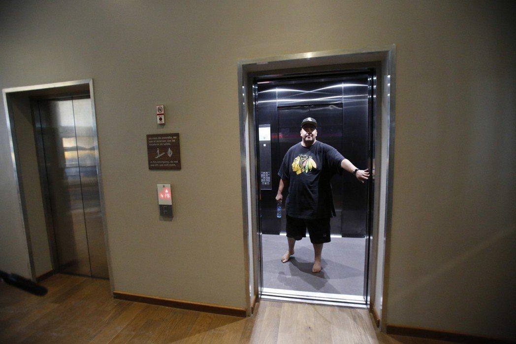 在美國,許多電梯的關門按鈕根本沒用。 (美聯社)