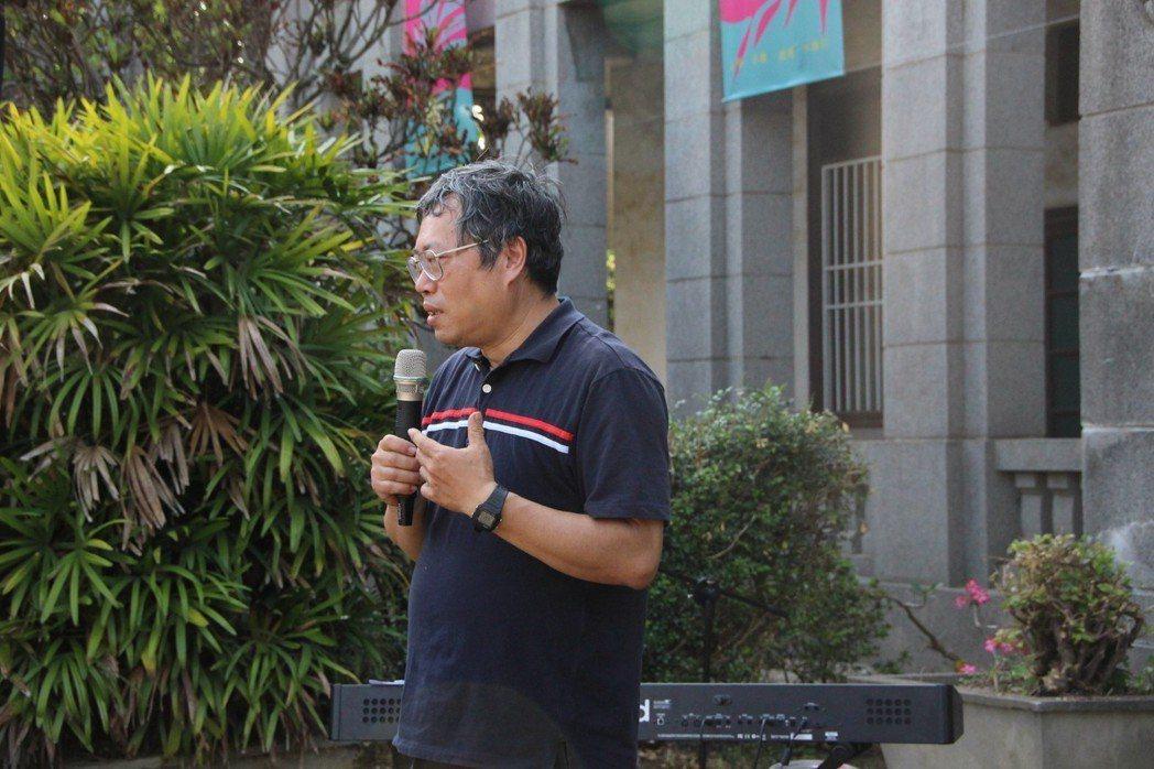 文學家陳虛谷的孫子陳志行表達感謝賴和基金會志工協助整理家園。 記者林敬家/攝影