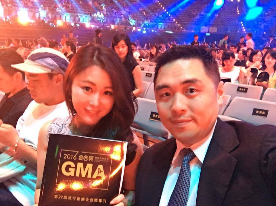 麻衣(左)和老公王泉仁曾一起受邀觀禮金曲獎。圖/摘自臉書