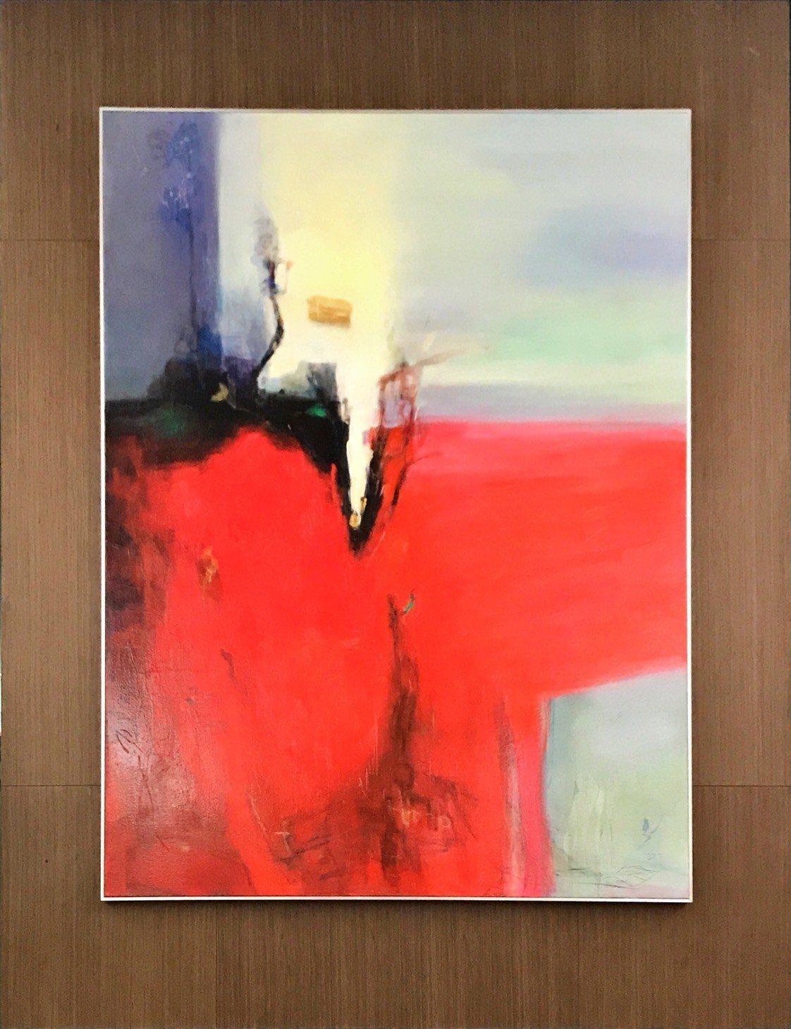 賴仁輝「希望的力量」以紅、灰、白色彩呈現多方意見展現議會精神。