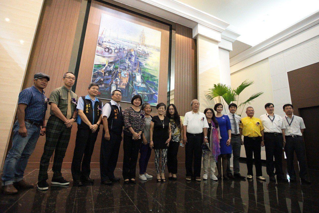 臺中市議會6樓公共藝術創作主題「航向黎明 和諧繁榮」。