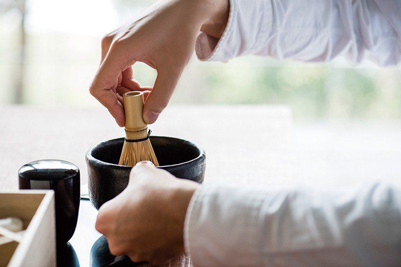 茶道體驗的「稽古」區分為體驗稽古(¥3240)、初級、中級、上級,茶道不再是封閉...