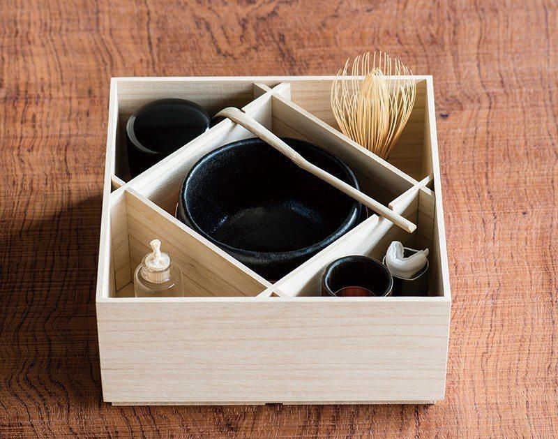 茶道所需的各種道具,茶論也推出了獨家的精緻款式,更有可愛的木盒能將道具一次收納。
