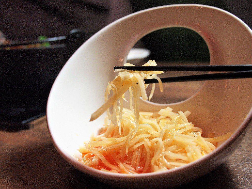 (圖/台灣旅行趣) ▲【魚吃不吃】的酸辣土豆絲又脆又滑,入口開胃
