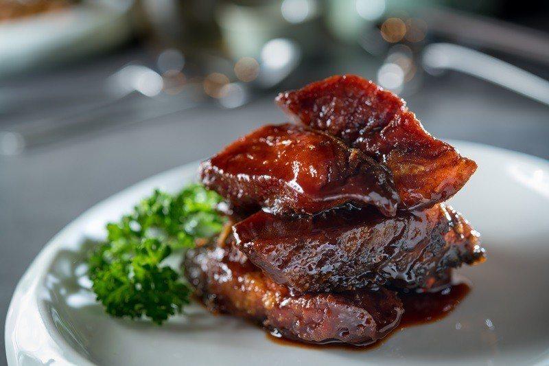 老上海燻魚外焦裡嫩、好吃極了