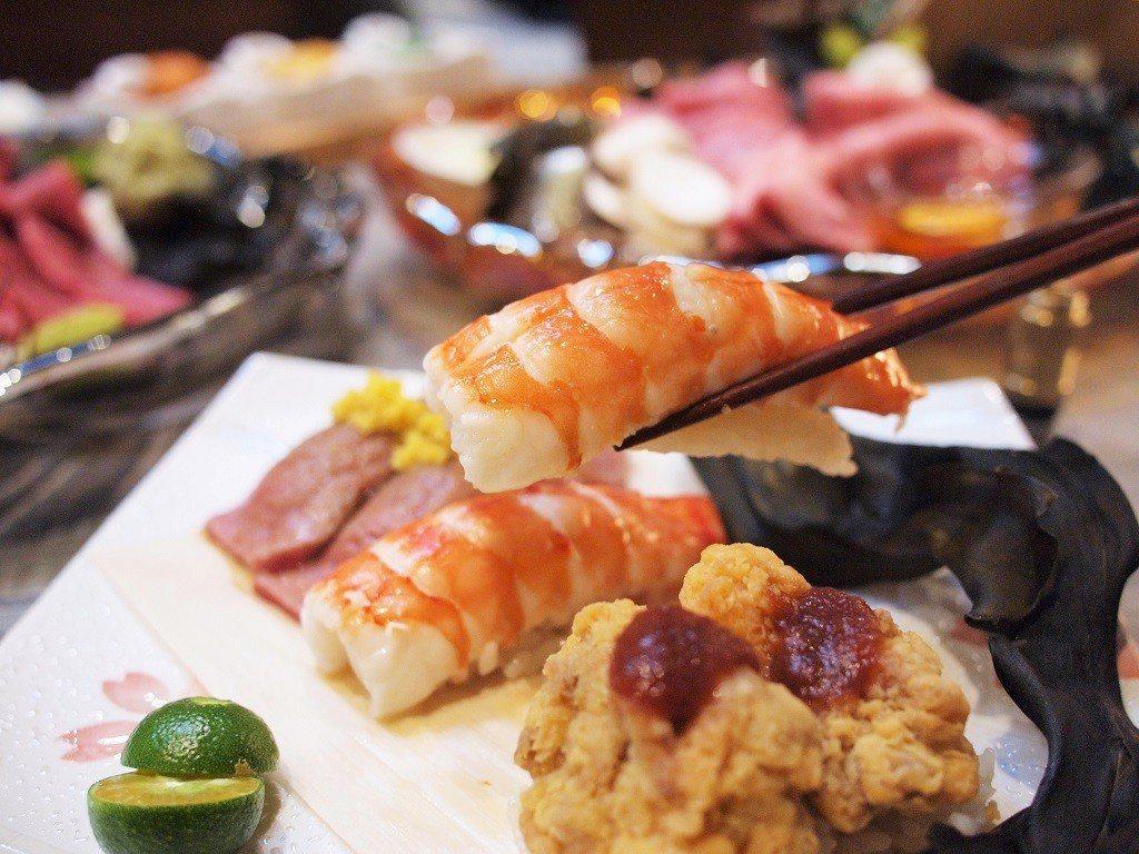 (圖/台灣旅行趣) ▲特大號的蝦壽司鮮甜又飽嘴