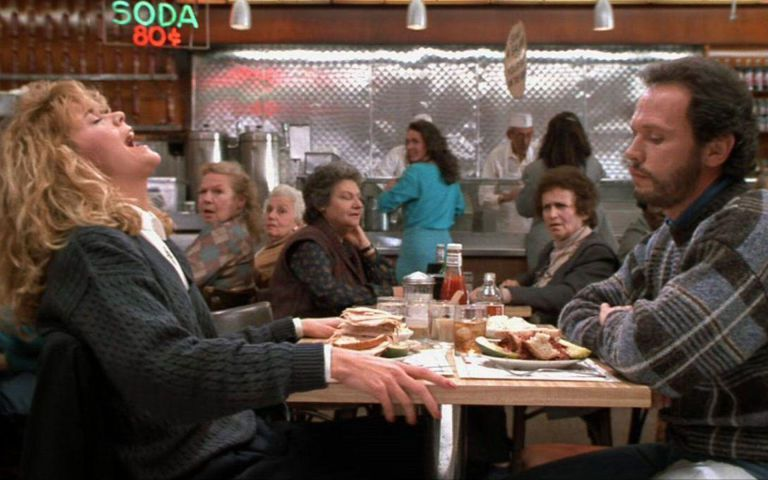 梅格萊恩在餐廳假高潮的一幕,是「當哈利碰上莎莉」最膾炙人口的情節。圖/翻攝自Yo...
