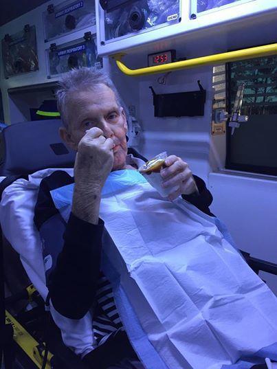 癌末病患麥卡尼死前如願吃到聖代。昆士蘭救護車服務局提供