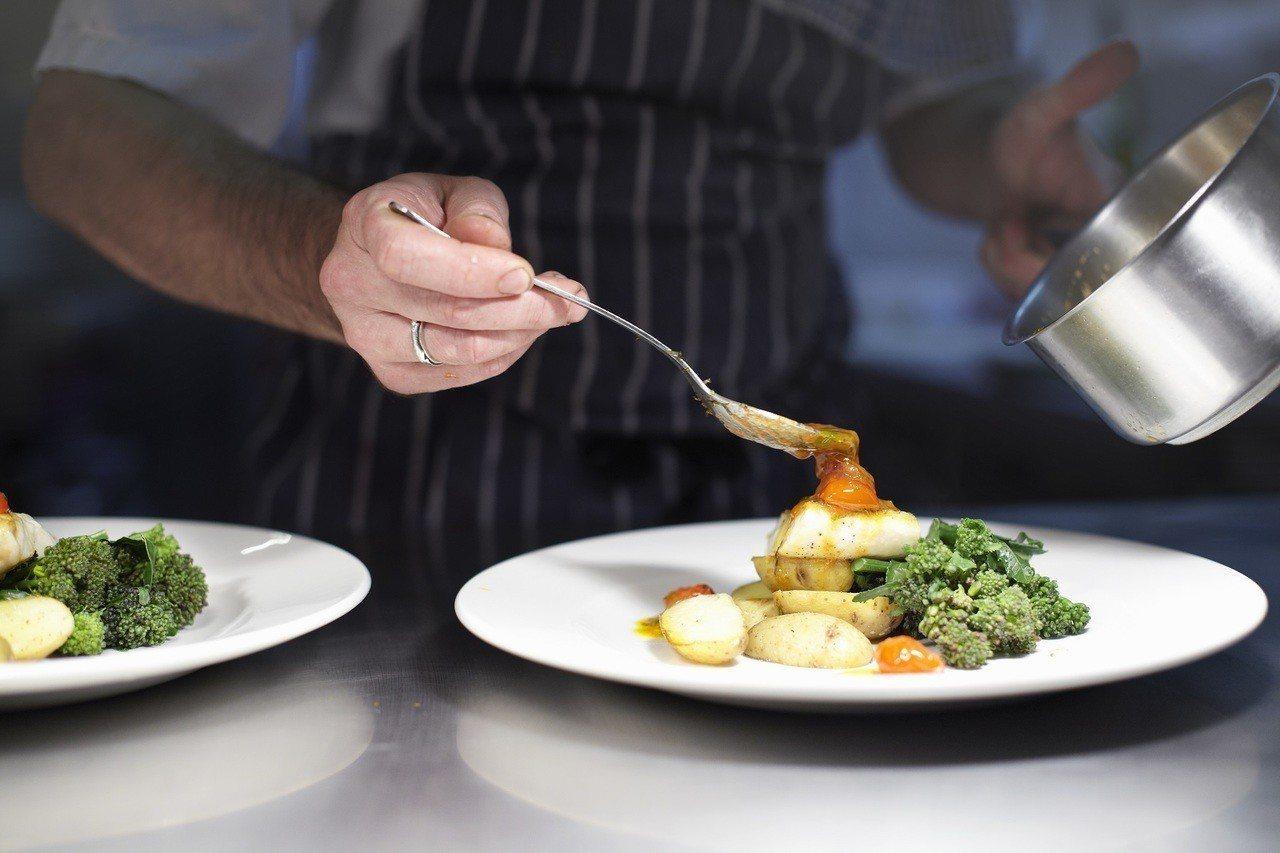 「品味館」邀請全球7家米其林餐廳,讓旅客一餐盡享10星米其林手藝。圖/港旅局提供
