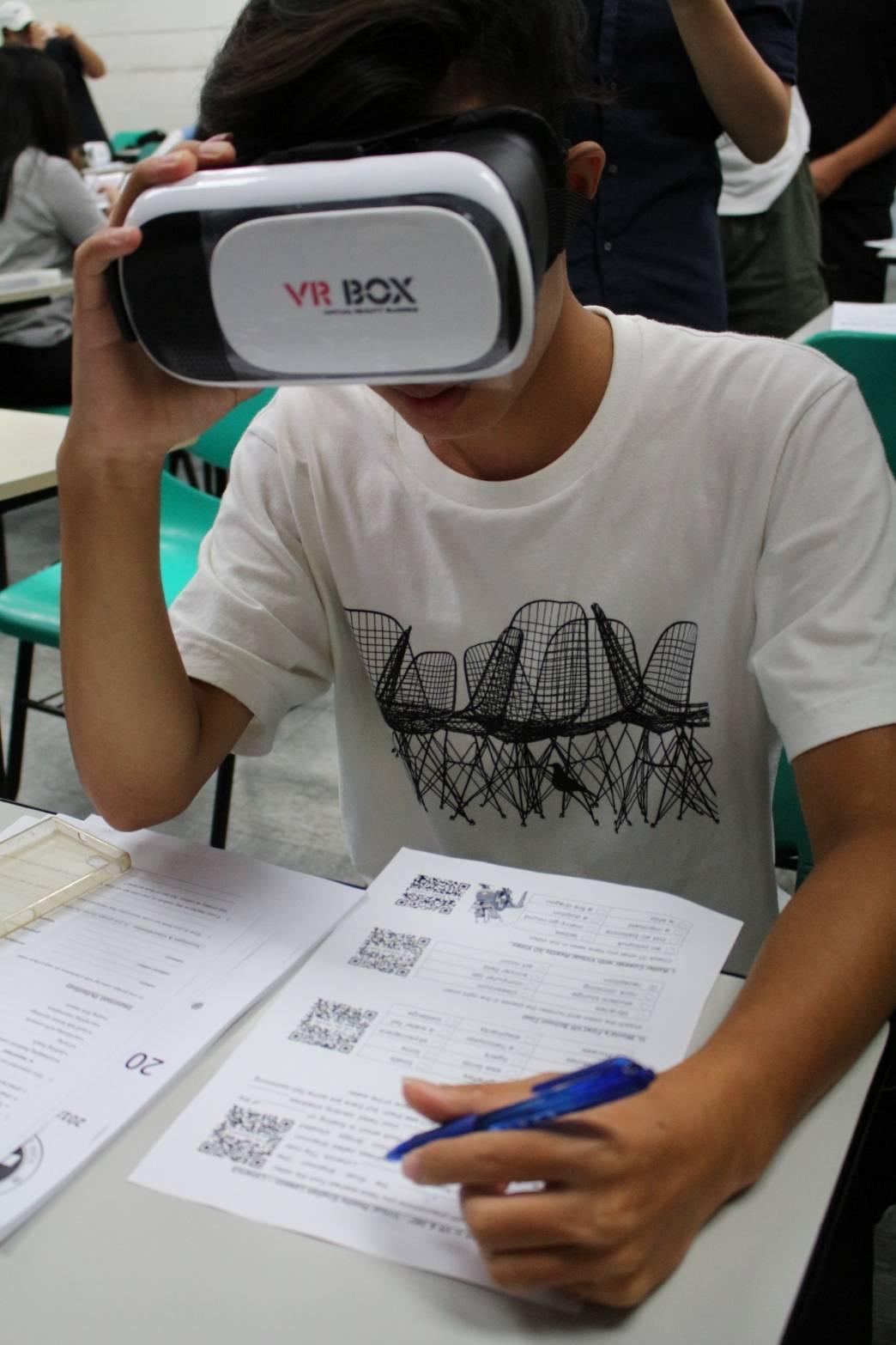 VR也融入英文營課程。圖/元智大學提供