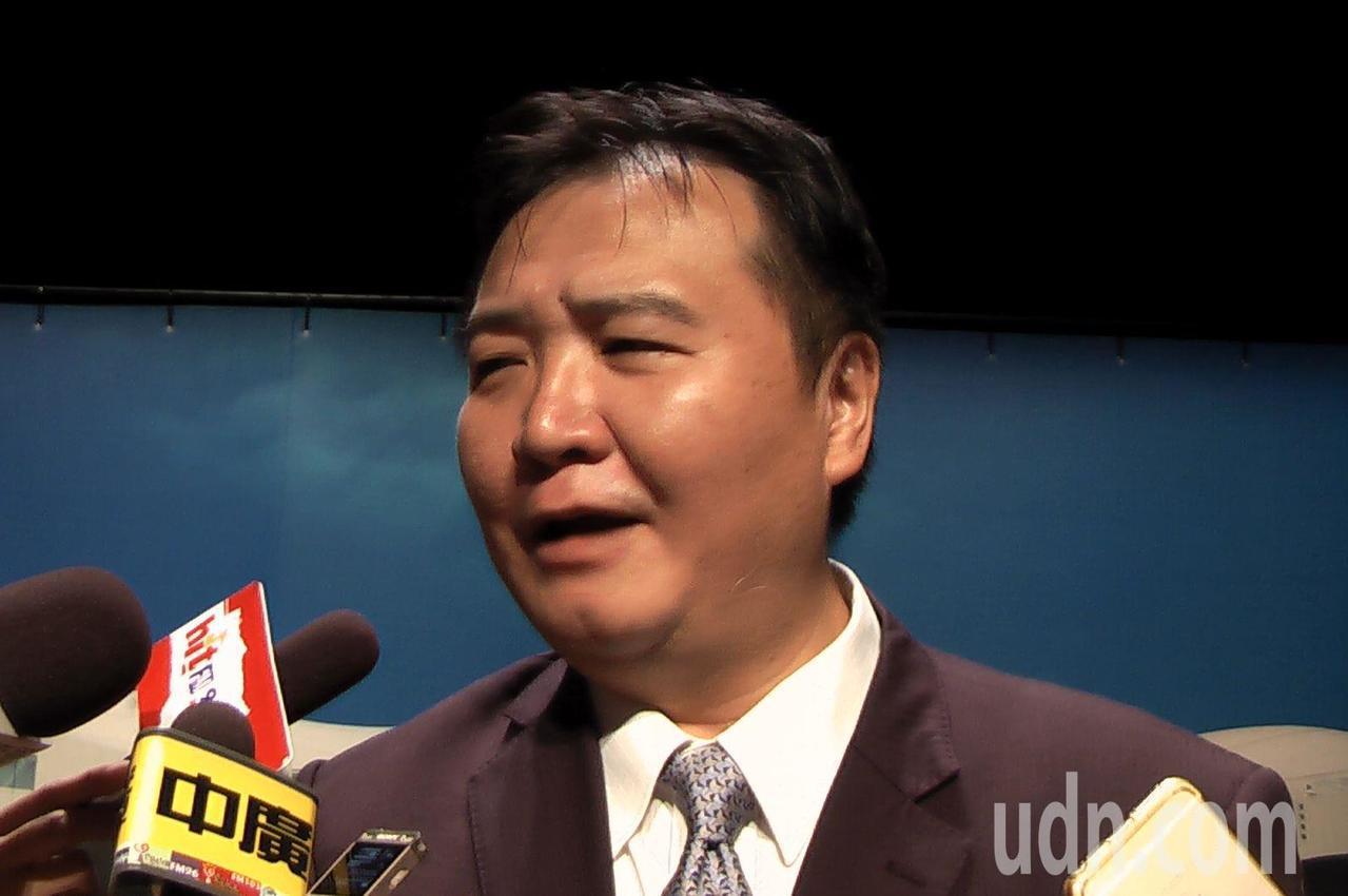 高雄市代理市長許立明今天表示,范以生涯規劃為由請辭已准,9月7日生效。記者徐如宜...