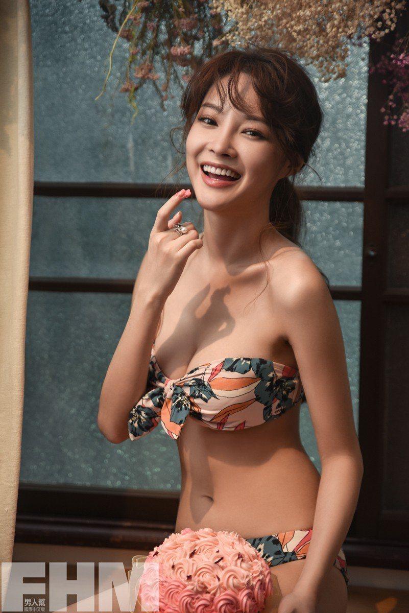 陳夢晨穿上性感比基尼,雙峰呼之欲出。圖/FHM男人幫提供