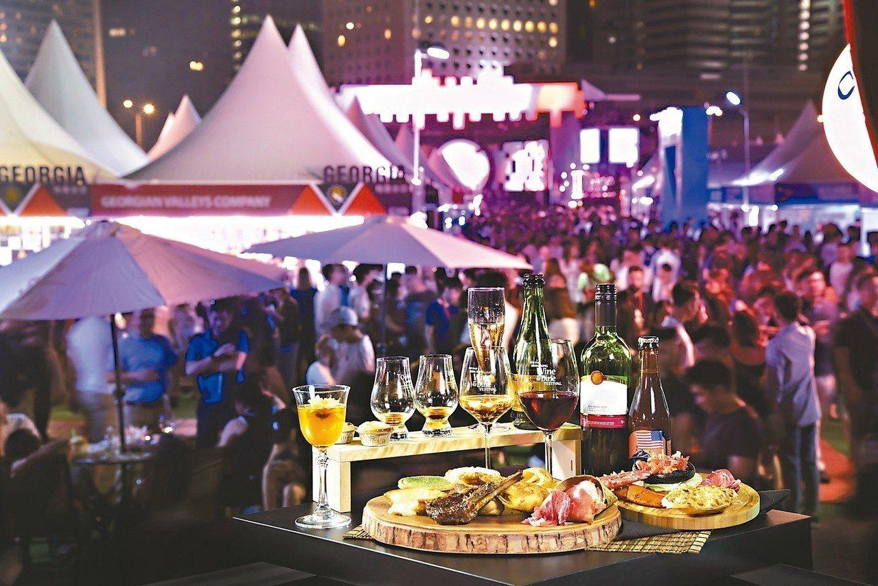 第10屆香港美酒佳餚巡禮規模歷年之最,預計在維港美景前帶來約450個攤位。 ...