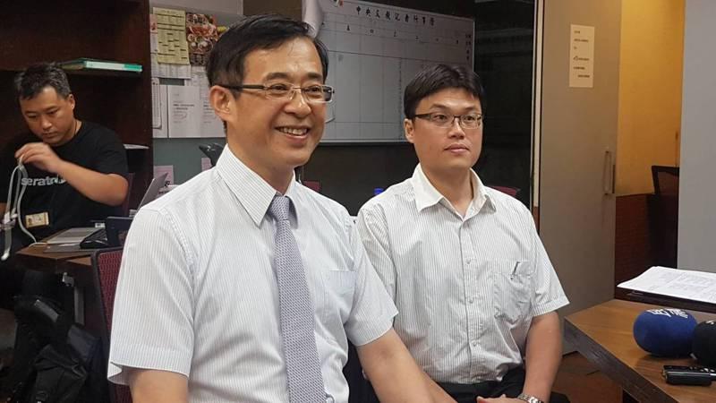 教育部次長姚立德(左)及高教司長朱俊彰。 圖/聯合報系資料照片