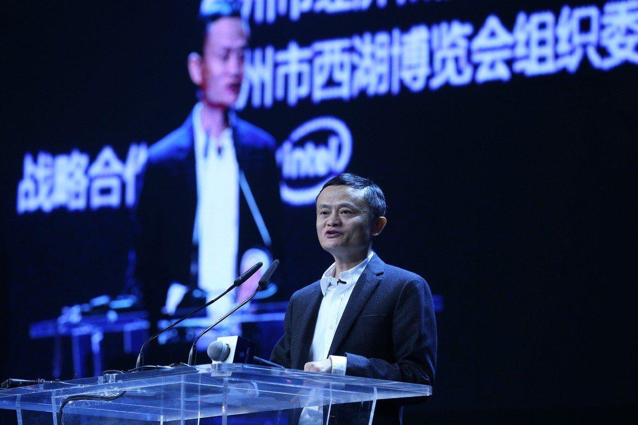 中國大陸通訊公司相繼撤出美國市場,先是中興通訊被鎖定,之後華為也撤出美國,美媒報...