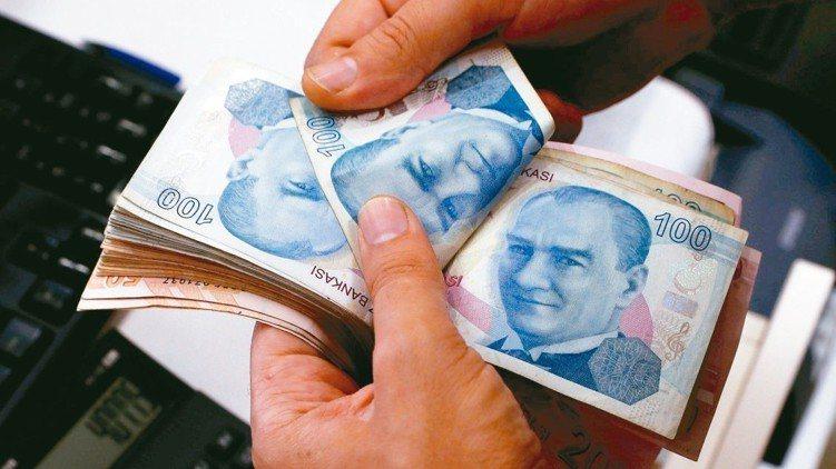 今年以來,以阿根廷披索、土耳其里拉、巴西黑奧等七個新興國家貨幣走勢最為疲弱,累計...