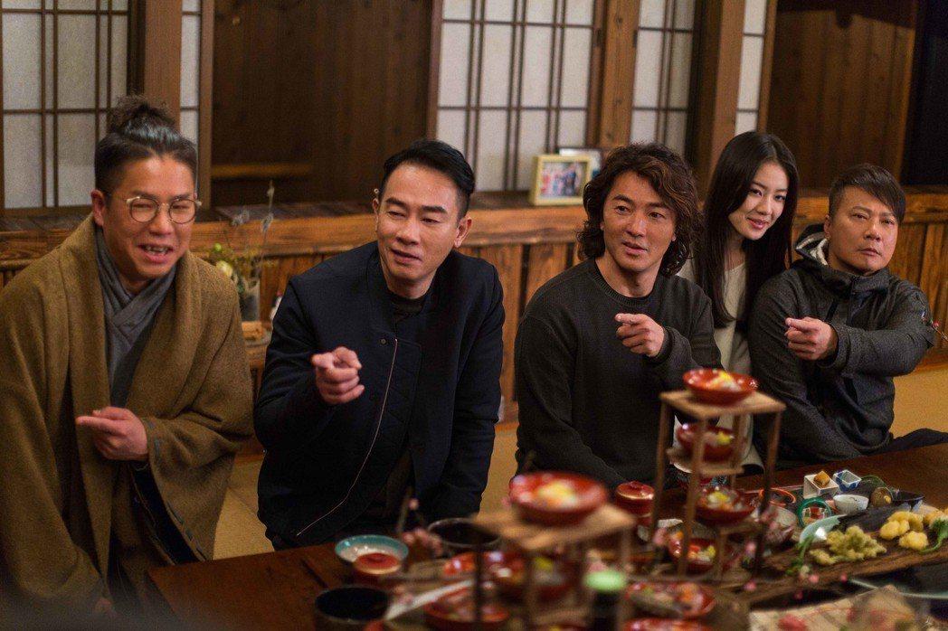 陳小春(左2起)、鄭伊健主演「黃金兄弟」。圖/牽猴子提供