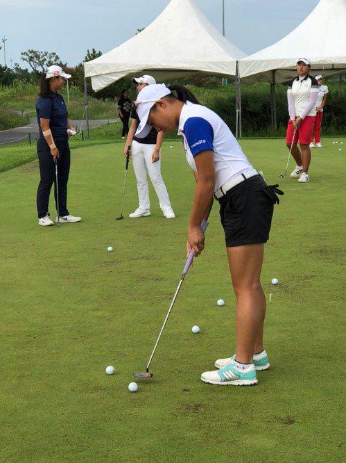 黃亭瑄在韓國KLPGA所主辦的業餘賽事中,成績表現優異。 中華高球協會提供提供