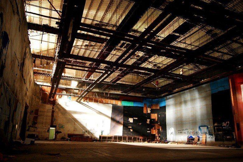 北投製片廠c棚是被台北市政府文化局判定不予保留的大攝影棚,當時是亞洲最大,有完整...