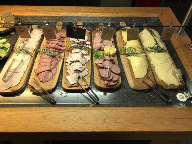 冷盤一向是歐洲的強項,喜歡吃火腿的人絕對不會失望 圖文來自於:TripPlus