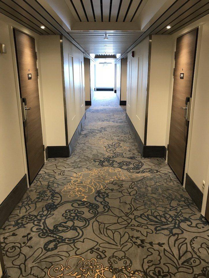 如果你因為大廳富有90年代的感覺,那你大概會跟我一樣,到了房間樓層有耳目一新的感...