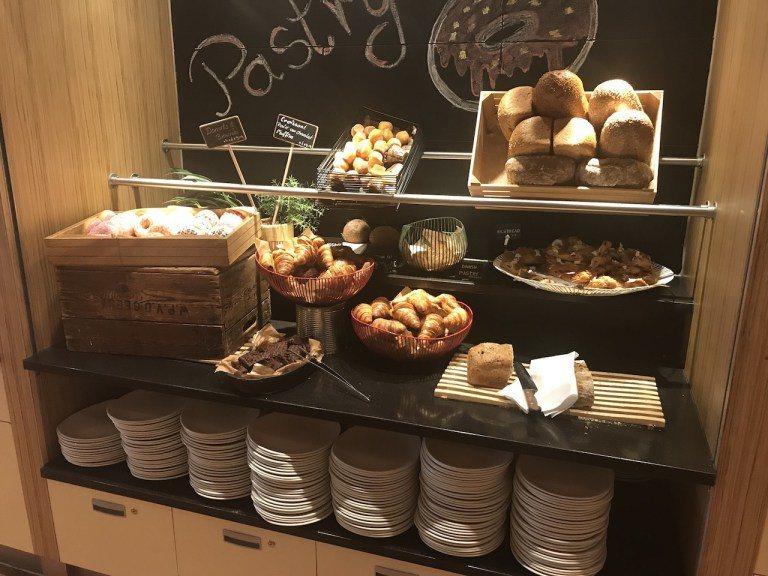 可頌西點區,還是要稱讚一下人家麵包,真的是鬆軟酥脆 圖文來自於:TripPlus