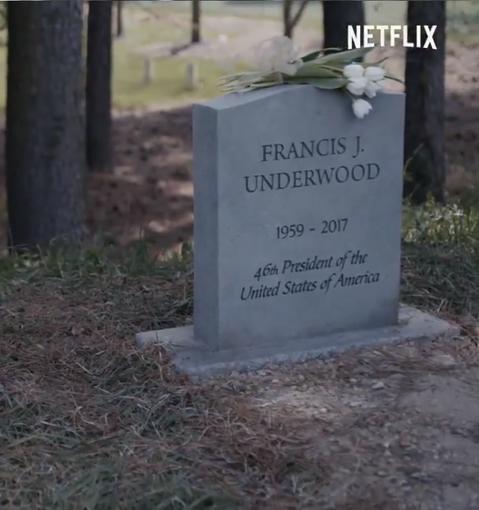一度引起追看熱潮的Netflix首齣自製大戲「紙牌屋」,在男主角凱文史貝西性侵工作人員劣行被揭露後,一度差點難以為繼,Netflix決定快刀斬亂麻,開除凱文史貝西,宣告最終季—第6季完全由女主角羅蘋...