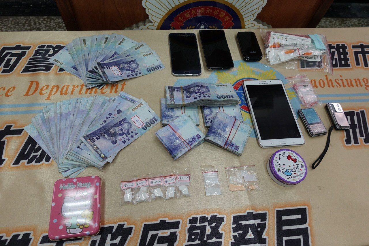 警方查扣毒品海洛因8包重11.3公克、電子磅秤等物品。記者劉星君/攝影