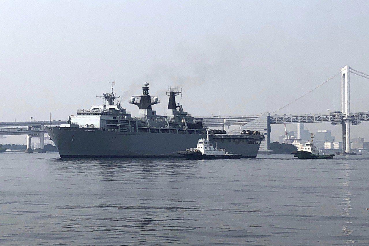 英國皇家海軍艦隊的阿爾賓號航行靠近我國西沙群島,同時宣稱擁有主權的中國派軍艦和直...